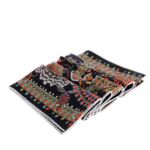 90×90正方形丝巾的系法图解