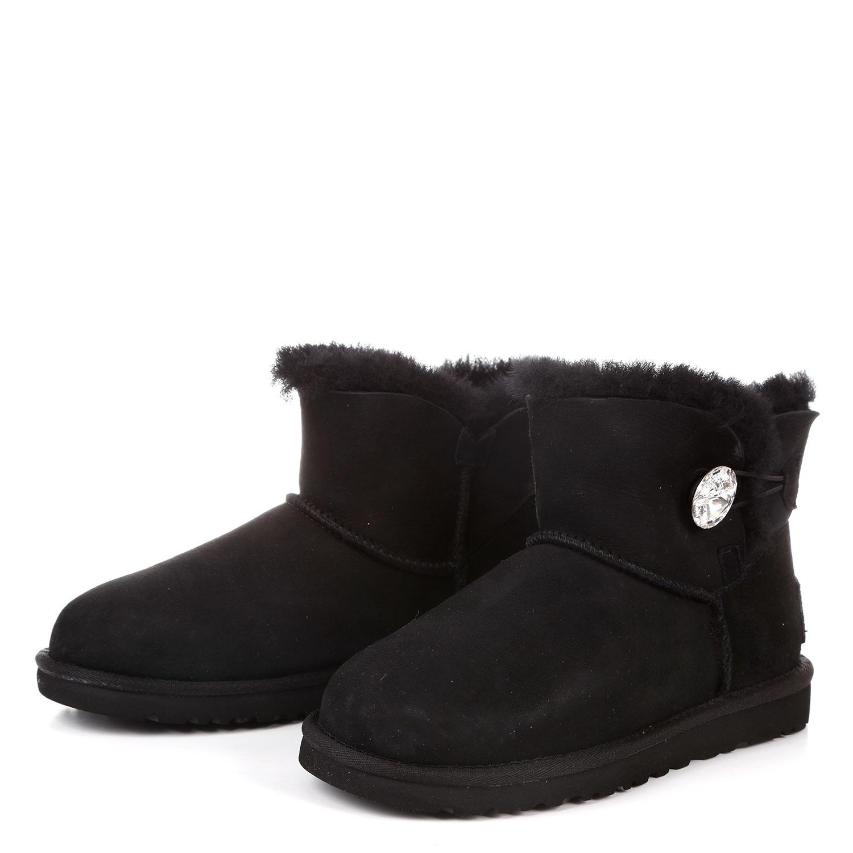 黑色ugg雪地靴搭配