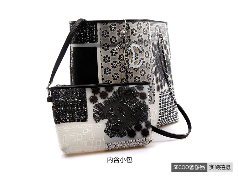 chanel(香奈儿)女式黑白刺绣购物袋