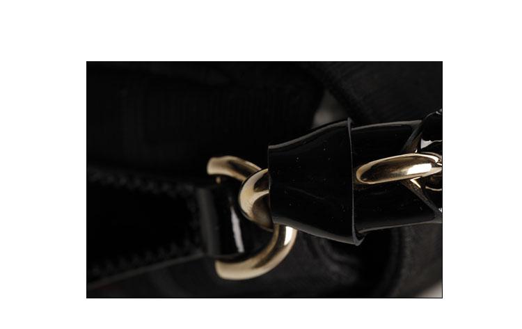 fendi(芬迪)黑色logo帆布包